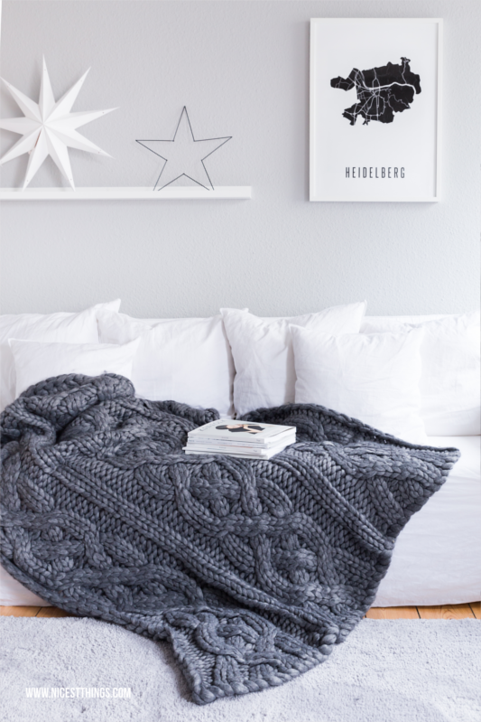 Winter Deko: Gervasoni Ghost Couch and Ugg Oversized Strickdecke / Chunky Decke #chunky #strickdecke #winterdeko