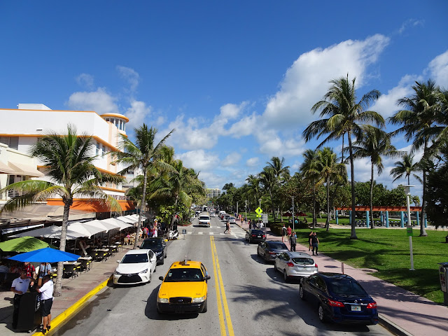 Vista de la Calle Ocean Drive en South Beach Miami