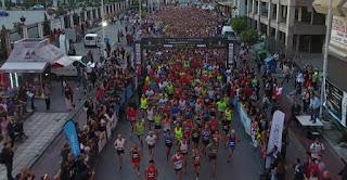 Στον 7ο Διεθνή Νυχτερινό Ημιμαραθώνιο Θεσσαλονίκης ο Μυτιληνιός Αχιλλέας Χατζηνικολάου (PICS)