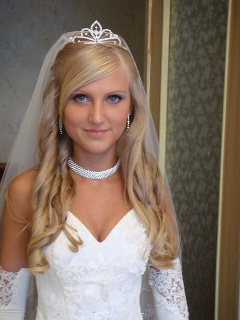 Brilliant Princess Bridal Hairstyles With The Crown Jewels Short Hairstyles Gunalazisus