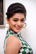 Yamini Bhaskar latest glamorous photos-thumbnail-14
