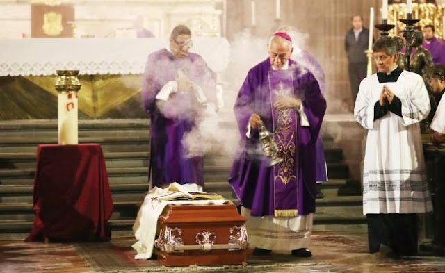 Matan a sacerdote cuando oficiaba misa