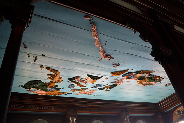 Relief map at the ceiling