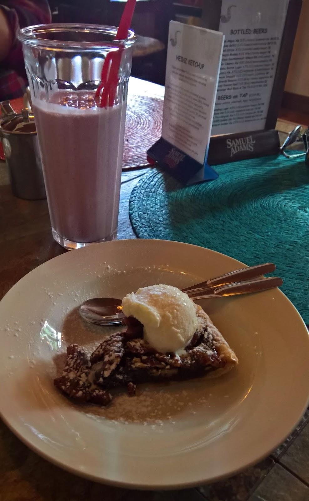 jäppilän kievari jäppilä ravintola kesäravintola jenkkiruoka bbq amerikkalainen ruoka mallaspulla mansikkapirtelö pekaanipähkinäpiiras