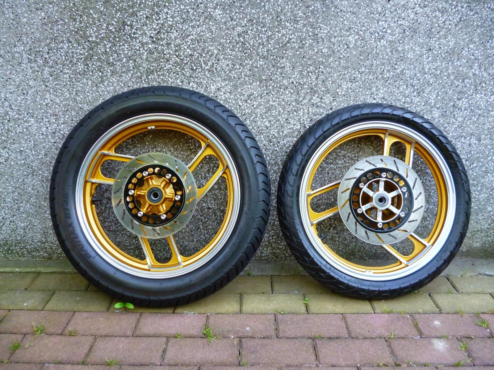 Yamaha SRX 400 Restoration & Modification : Black gold