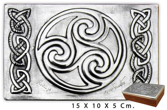 Caja Celta   A01 TRISKEL 11F