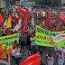Manifestantes fazem ato contra Temer e perda de direitos trabalhistas em MT