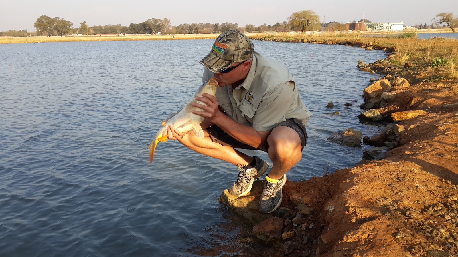 Hooked on fishing fishing roodt oord alberton for Hooked on fishing
