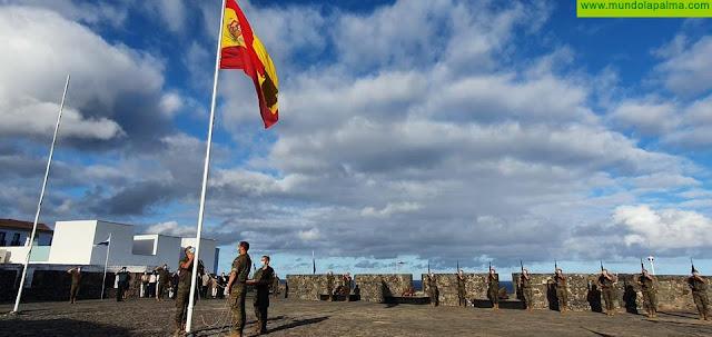 El Mando de Canarias rinde homenaje a los fallecidos por COVID 19 en las islas