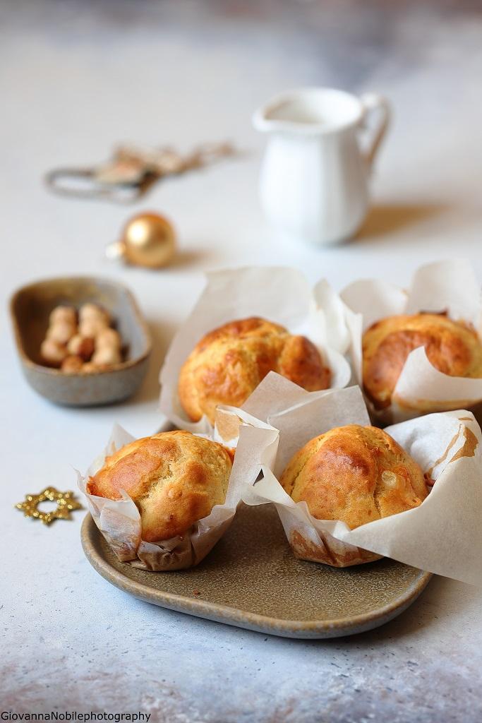 Muffin al gorgonzola e nocciole