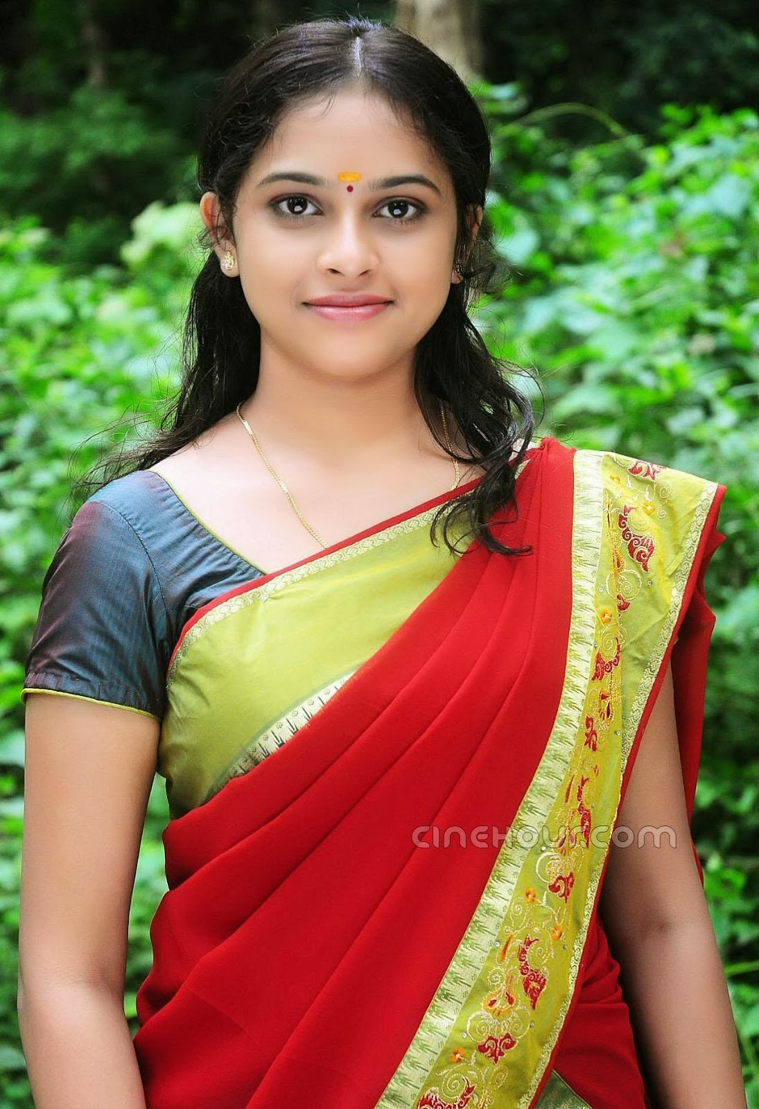 Actress Sri Divya Photos: Tamil Boobs Show : Actress Sri Divya