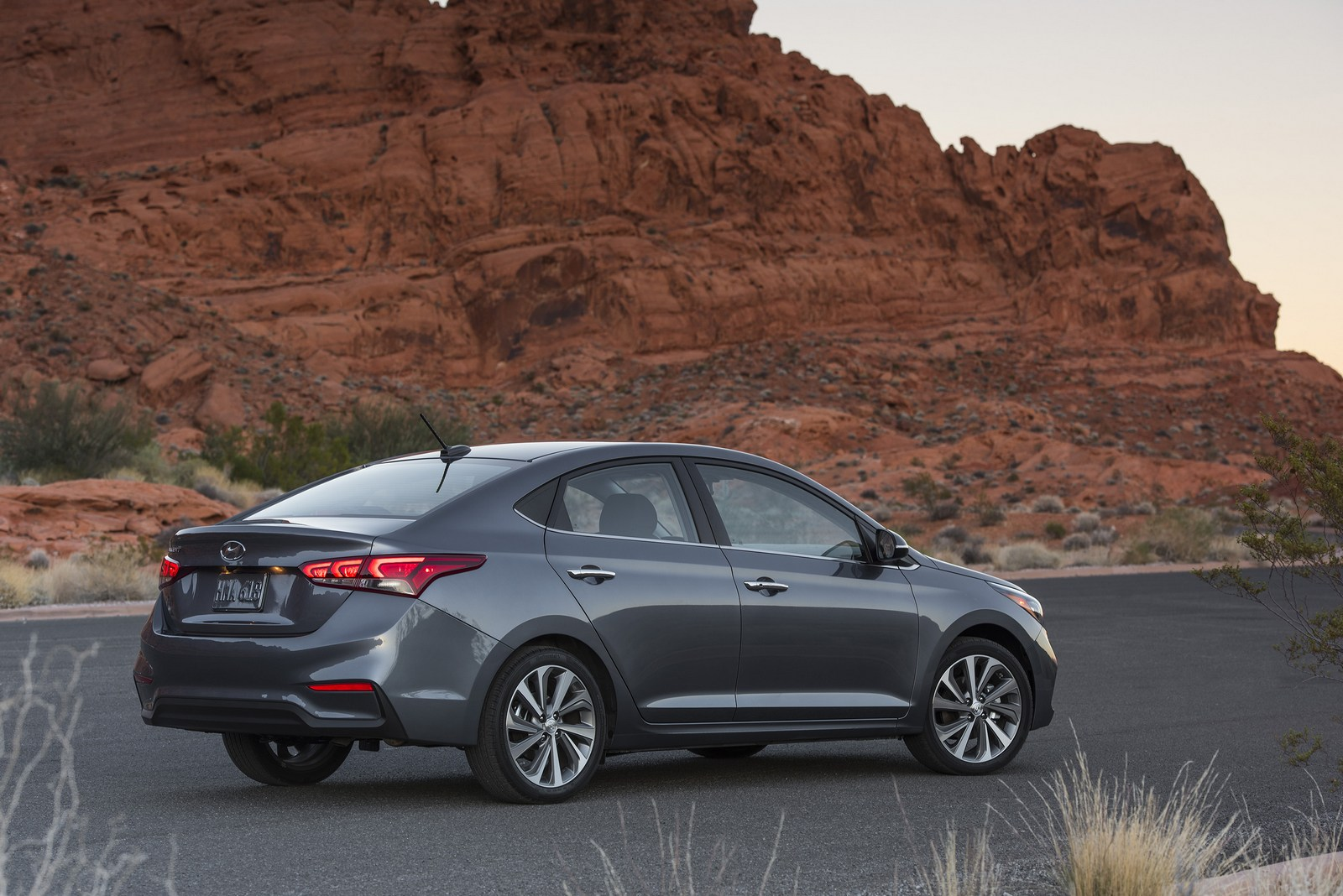 2018 hyundai accent arrives in america starting from 14 995 carscoops. Black Bedroom Furniture Sets. Home Design Ideas