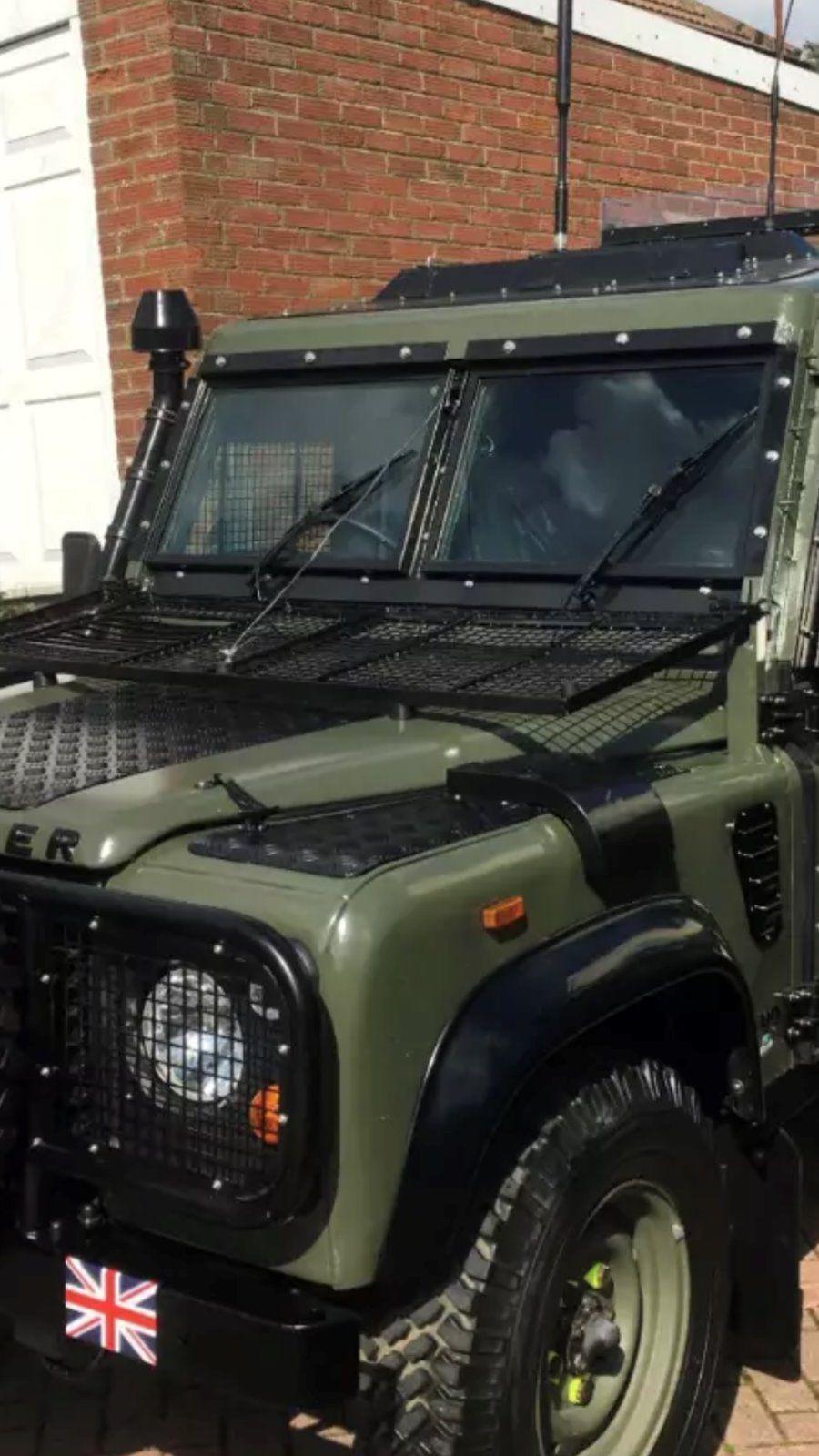 Landrover Defender: Land Rover Snatch Defender 110 Armoured Low