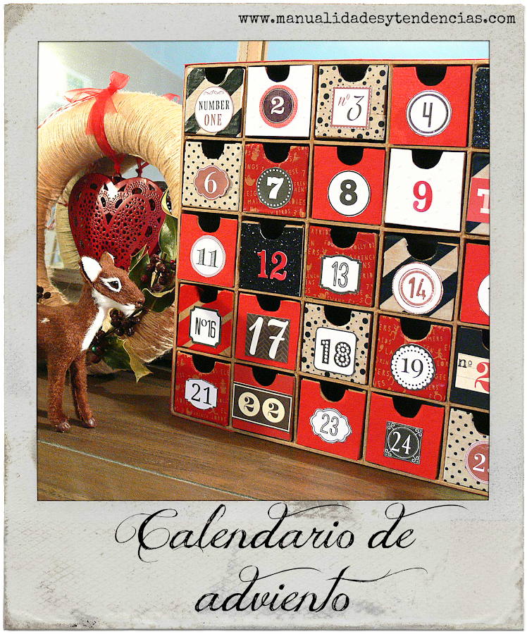 Calendario de adviento rojo, blanco y negro