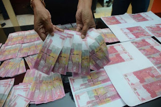 Gunakan Uang Palsu, Luna Maya Ditangkap Polisi