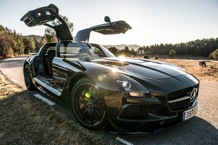 0 Mercedes-Benz SLS AMG