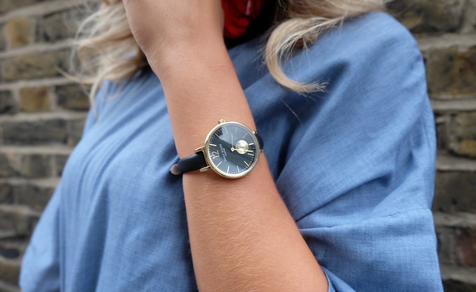 Sleek Daisy Dixon watch at LFW Aw16
