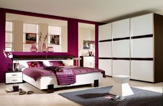 cuarto color fucsia