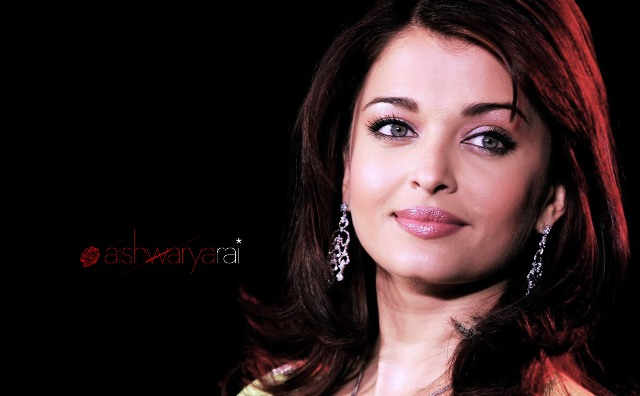 Aishwarya Ray - Artis Bollywood Tercantik dan Terpopuler di Dunia