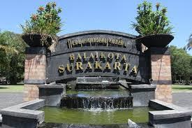 Berkunjung ke Surakarta