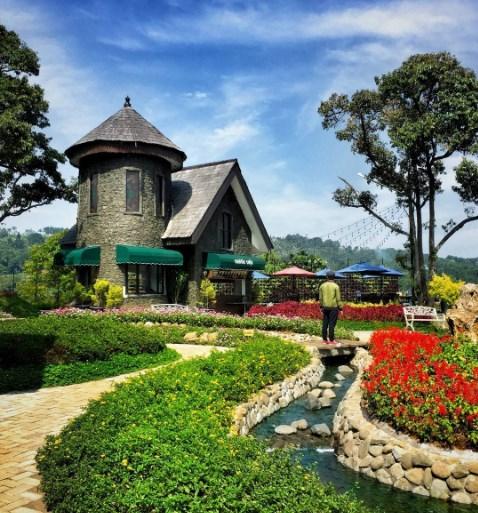 Lokasi Dan Harga Tiket Masuk The Ranch Mega Mendung Bogor