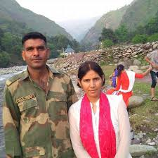 Tej Bahadur Yadav Family Wife Son Daughter Father Mother Age Height Biography Profile Wedding Photos