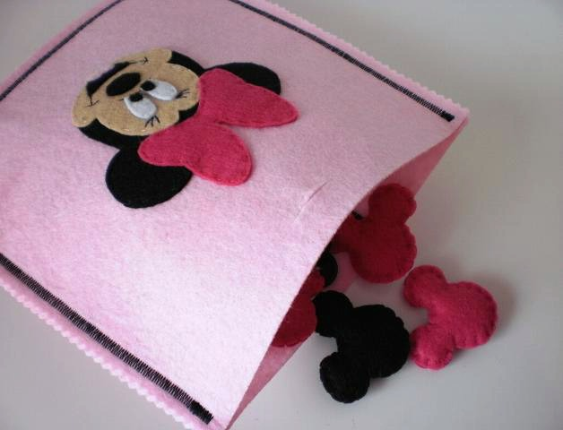 http://www.pequeocio.com/manualidades-originales-minnie-mouse/?cfemail=posted#cformsform