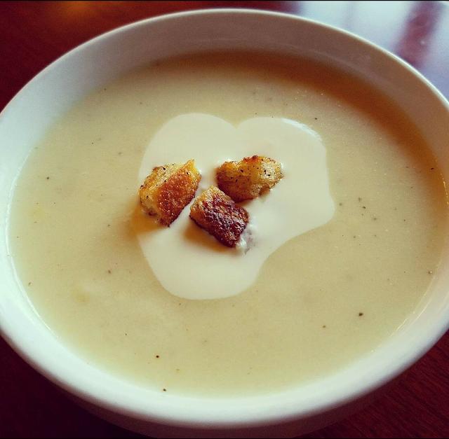 Cauliflower Fondue Soup - blogs de cooking and recipes blogs
