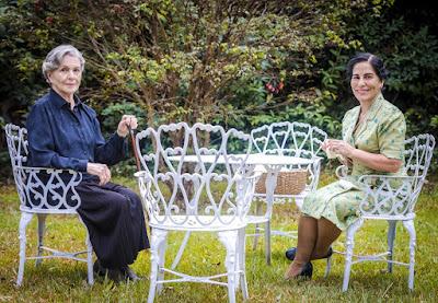 Irene Ravache (Tereza) e Gloria Pires (Lola) nas gravações de 'Éramos Seis'