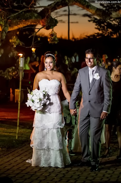 cerimônia - altar - casamento ao ar livre - noivos - saída dos noivos