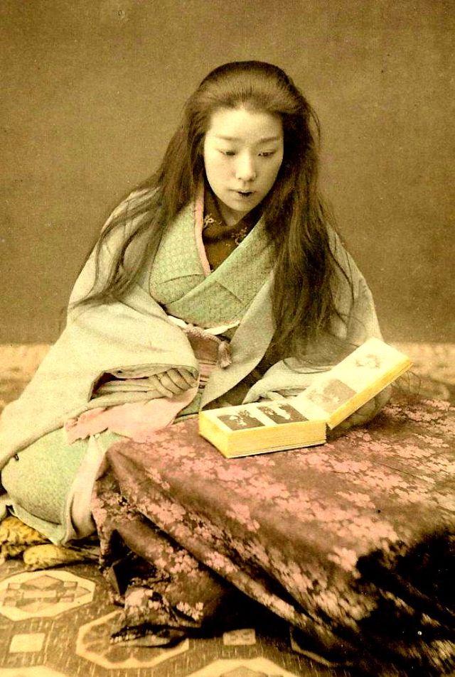 25 Impressive Vintage Portraits Of Maiko And Geisha With