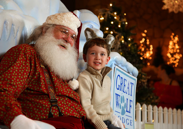 Great Wold Lodge in Grapevine, Texas is already well known for their large indoor water park & kid-centered service & activities, but did you know that the lodge turns into a magical Snowland from the end of November right through until New Year's day?