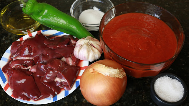 Ingredientes para higaditos de pollo con tomate