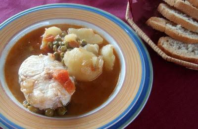 Caldeirada (guiso gallego con patatas y merluza)