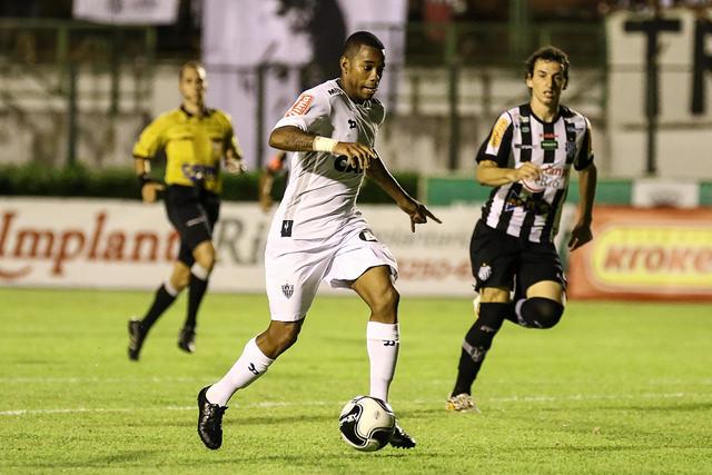 Tupi tem boa atuação, mas comete erros e Atlético-MG aproveita chances
