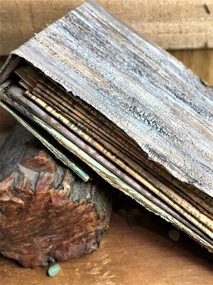 Sara Emily Barker http://sarascloset1.blogspot.com/ Field Notes Mini Album 3D Texture Fade Lumber 3