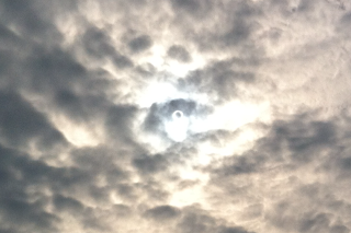 1 - 月と太陽