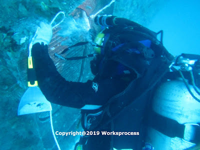 cleaning pada sea chest kapal laut