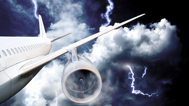 Un avion qui reliait Manchester à Agadir a été frappé par la foudre.