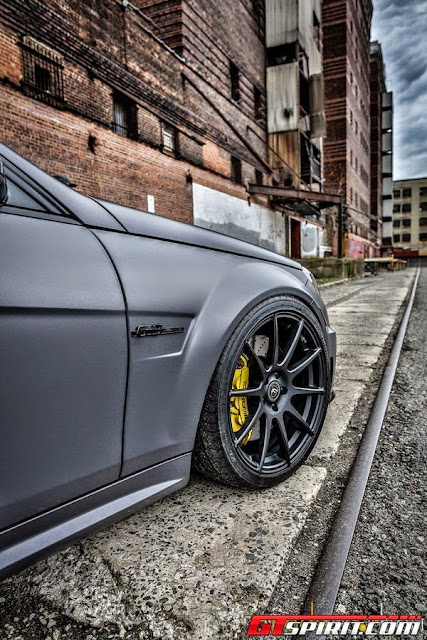mercedes benz c 63 yellow brakes