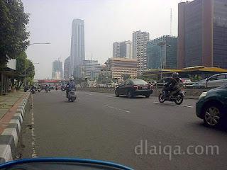 pusing-pusing Jakarta memandu Yamaha Mio J