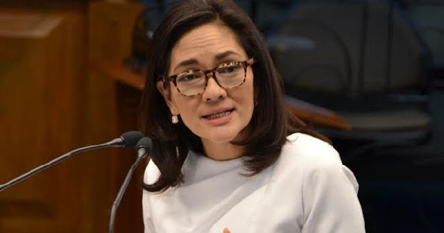 Hontiveros slams Duterte: You can't end oligarchy by honoring Marcos