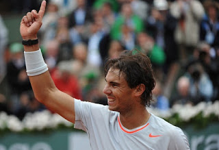 Nadal reclaims ATP top spot as Federer slips