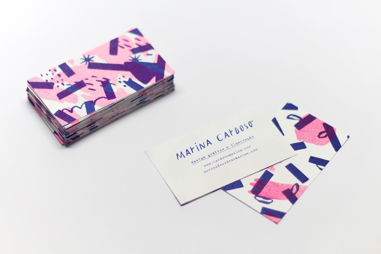 Good design makes me happy: Marina Cardoso Business Cards