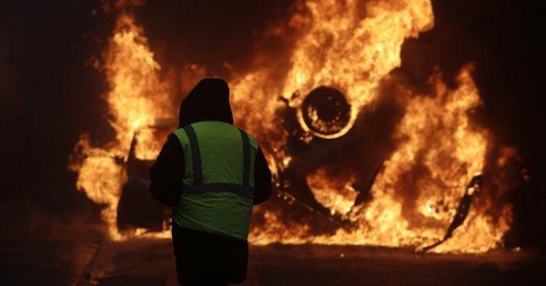 Παρίσι: Εκτός ελέγχου και πρωτοφανή τα επεισόδια - Ζώνη πυρός το κέντρο της γαλλικής πρωτεύουσας (βίντεο)
