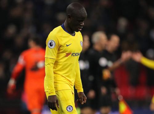 Chelsea đứt mạch bất bại: Sarri đang lãng phí Kante 3