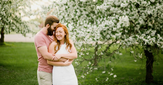Spring Engagement Photography in Des Moines