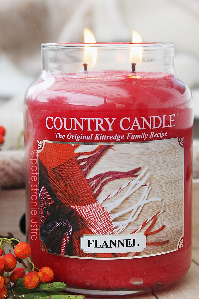 country candle flannel jesienią