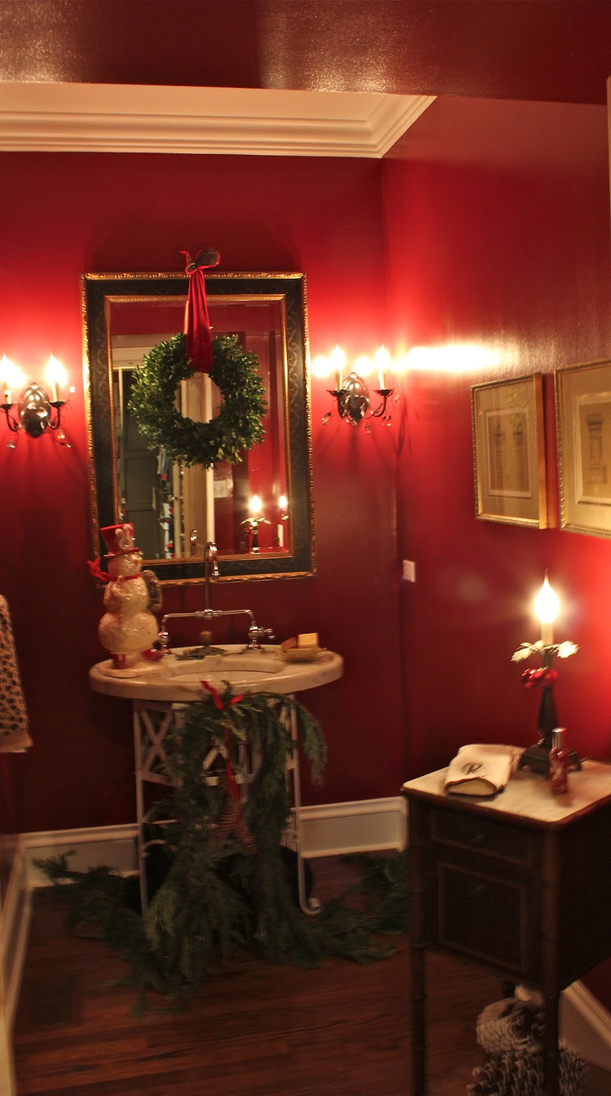 How To Decorate A Small Bathroom For Christmas: 5th And State: Our Christmas Showhouse