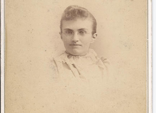 1893 graduation photo of Mertie Laura Graham; later wife of Edwin Osgood Grover